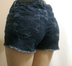VANS VINTAGE DISTRESSED MINI JEAN SHORTS SIZE 11